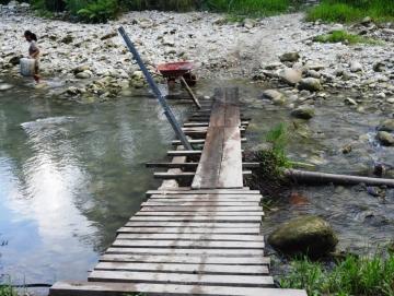 Jalan dan Jembatan Rusak di Madobag Akan Dibangun Tahun Ini