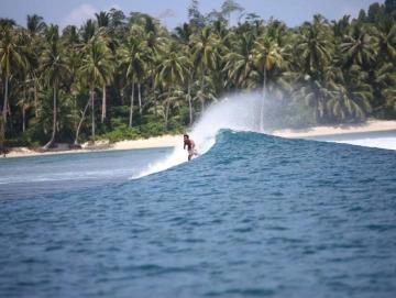 Warga Tak Izinkan Aparat dan Rasyidin Menepi di Pulau Nyangnyang