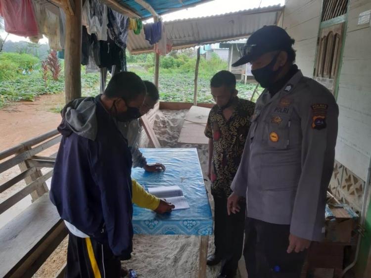 Polsek Sipora Kawal BLT Dua Desa di Sipora Selatan Langsung ke Rumah Warga