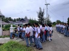 Hari Pertama Belajar Tatap Muka Sekolah Kerepotan Terapkan Protokol Kesehatan