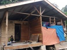 50 KK di Desa Muara Siberut Mendapat Bantuan Bedah Rumah