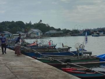Badai Nelayan Tradisional Sikakap Tidak Melaut
